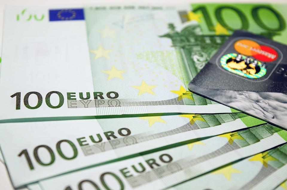 Un salaire de 940.000 euros pour supprimer 1.900 postes : le comble du cynisme