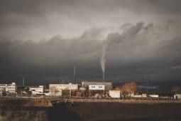 illustration d'un paysage pollué